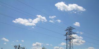 Paisaje, torre de distribución eléctrica